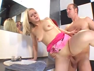 Amateur Blonde gets stuffed by big Dick