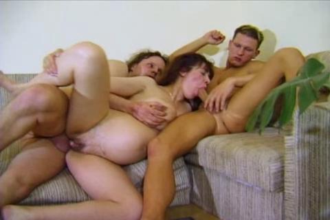 Порно передача в троем
