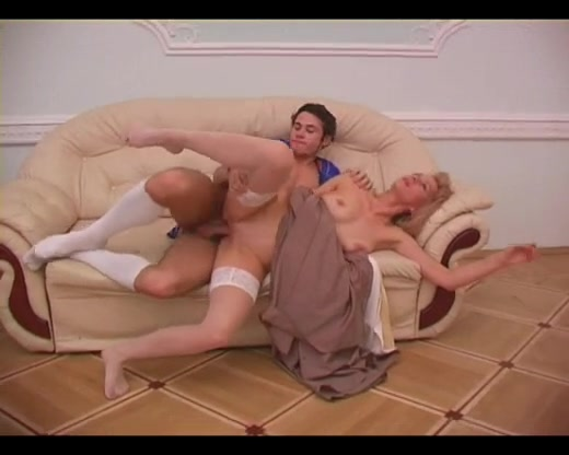 Vintage mature porn with a hot tight ass blonde mom