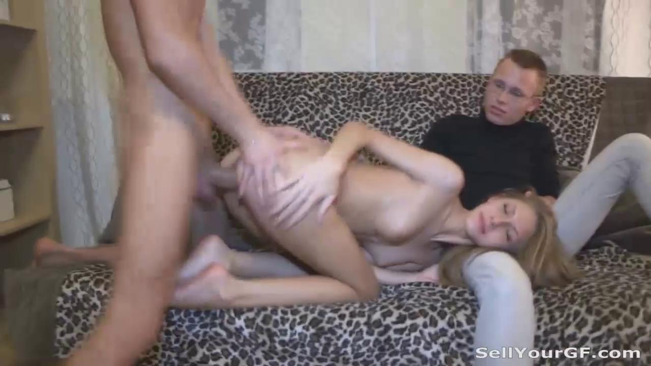zhena-na-sluchke-porno
