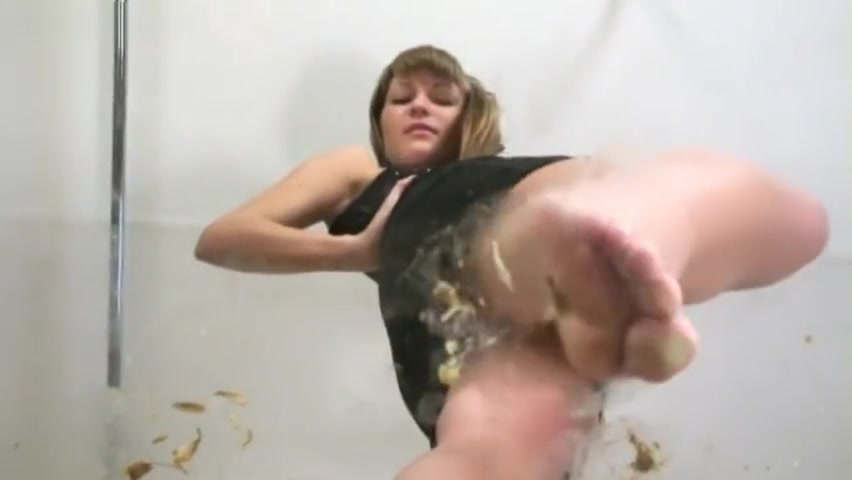 Video 991478304: foot fetish solo, female foot fetish, barefoot crush